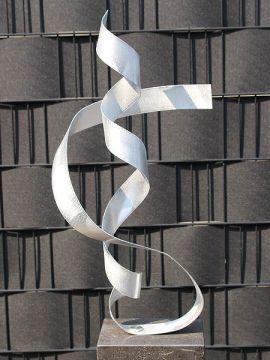 Aluminiumkunst Loop exkl. Sockel