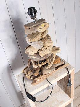 Schirmlampe aus Holzstücken 45 cm