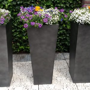 Grote bloembakken light cement