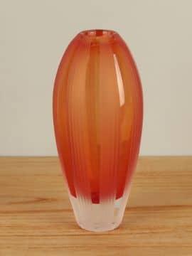 Vase Glas geschliffen Seiten orange 26 cm.