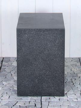 Sockel Basalt stein 40*30*30 cm.