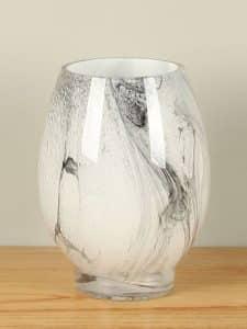 Vase 21 cm. Glas schwarz/weiß