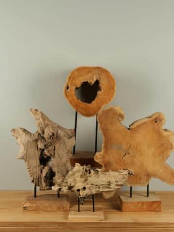 Decoratie hout op standaard