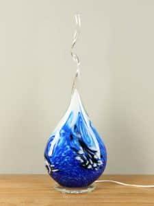 Glasdeko mit Beleuchtung blau/schwarz