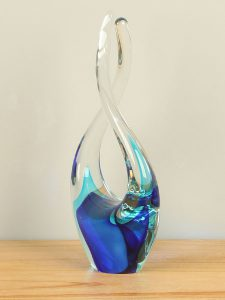 Glasskulptuur aqua/kobalt 24 cm. 2009RF