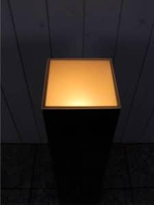 schwarz seidenmatt 110*25*25 cm.