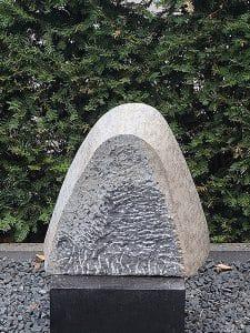Gartenstatue Naturstein Go