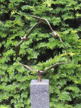 3 Vogels verbonden uit brons
