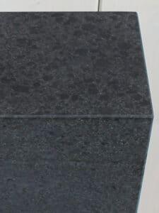 Fuß Basalt stein 60*20*15 cm.