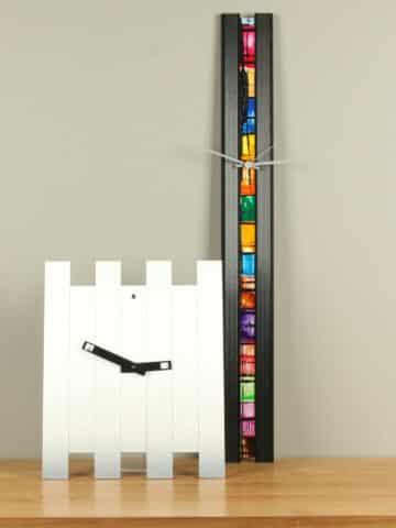 Moderne, kleurige design wandklokken.